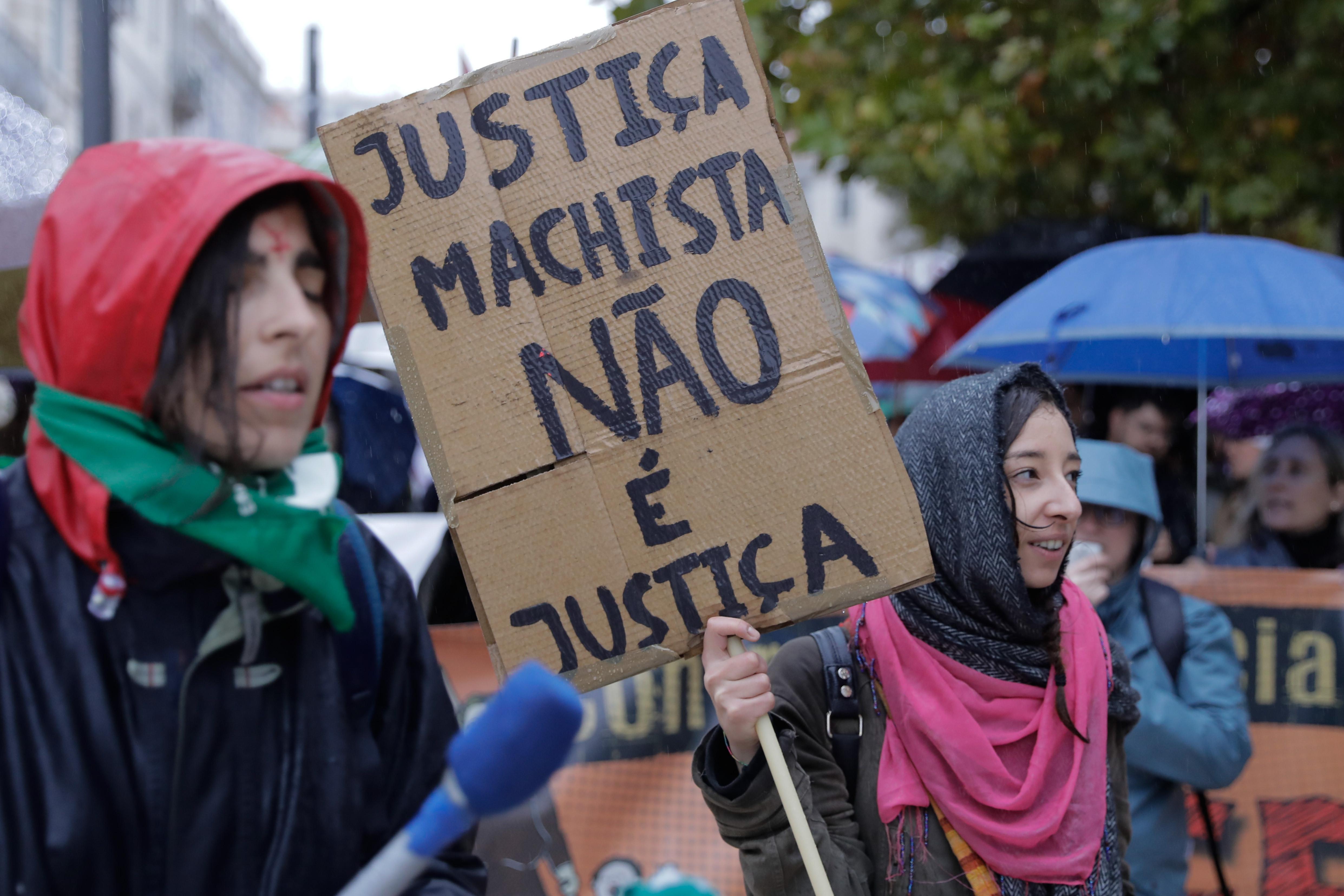 Centenas pediram em Lisboa justiça para mulheres vítimas de violência