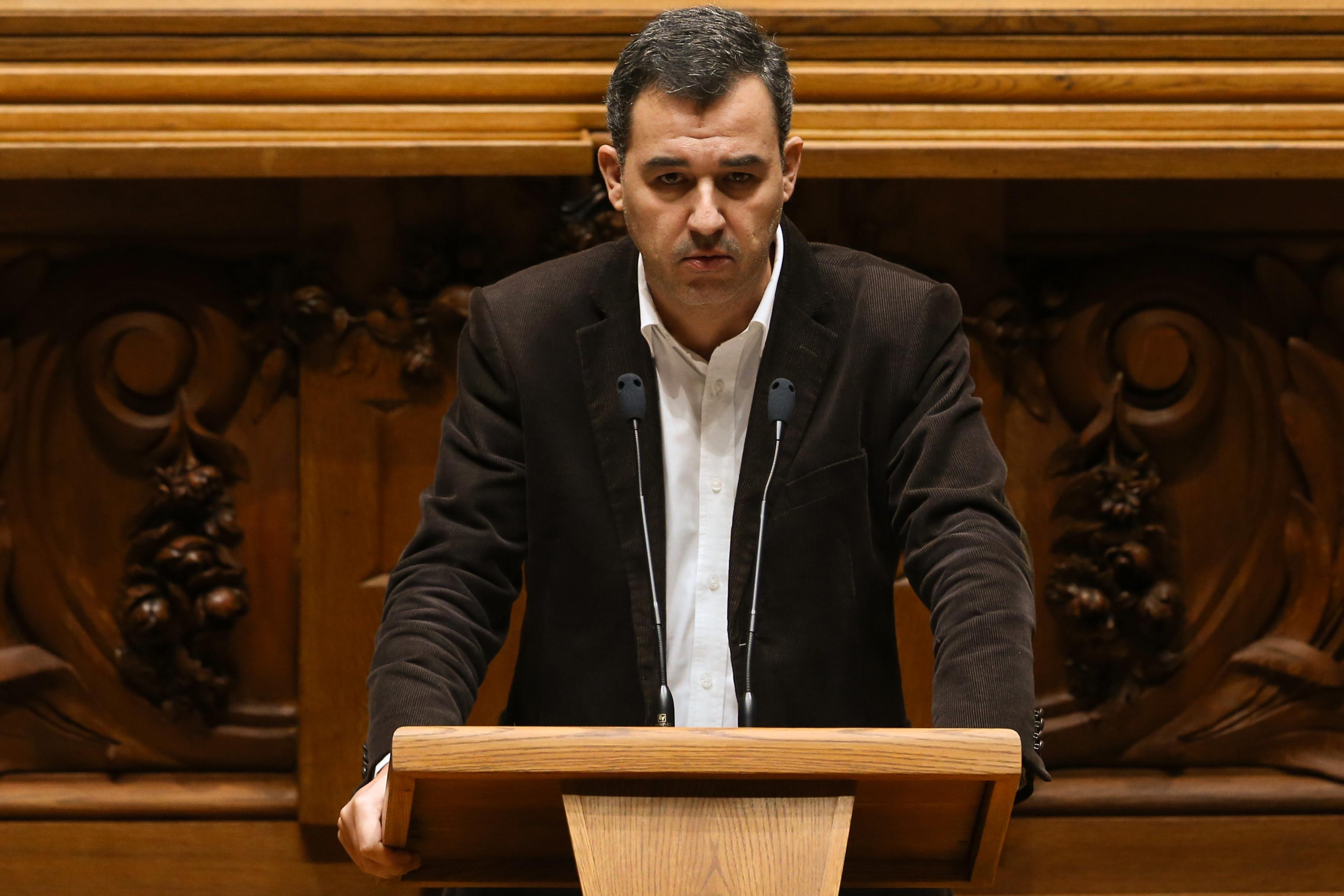 """Touradas: PAN diz que Costa """"saiu do armário"""" e elogia-lhe a """"coragem"""""""