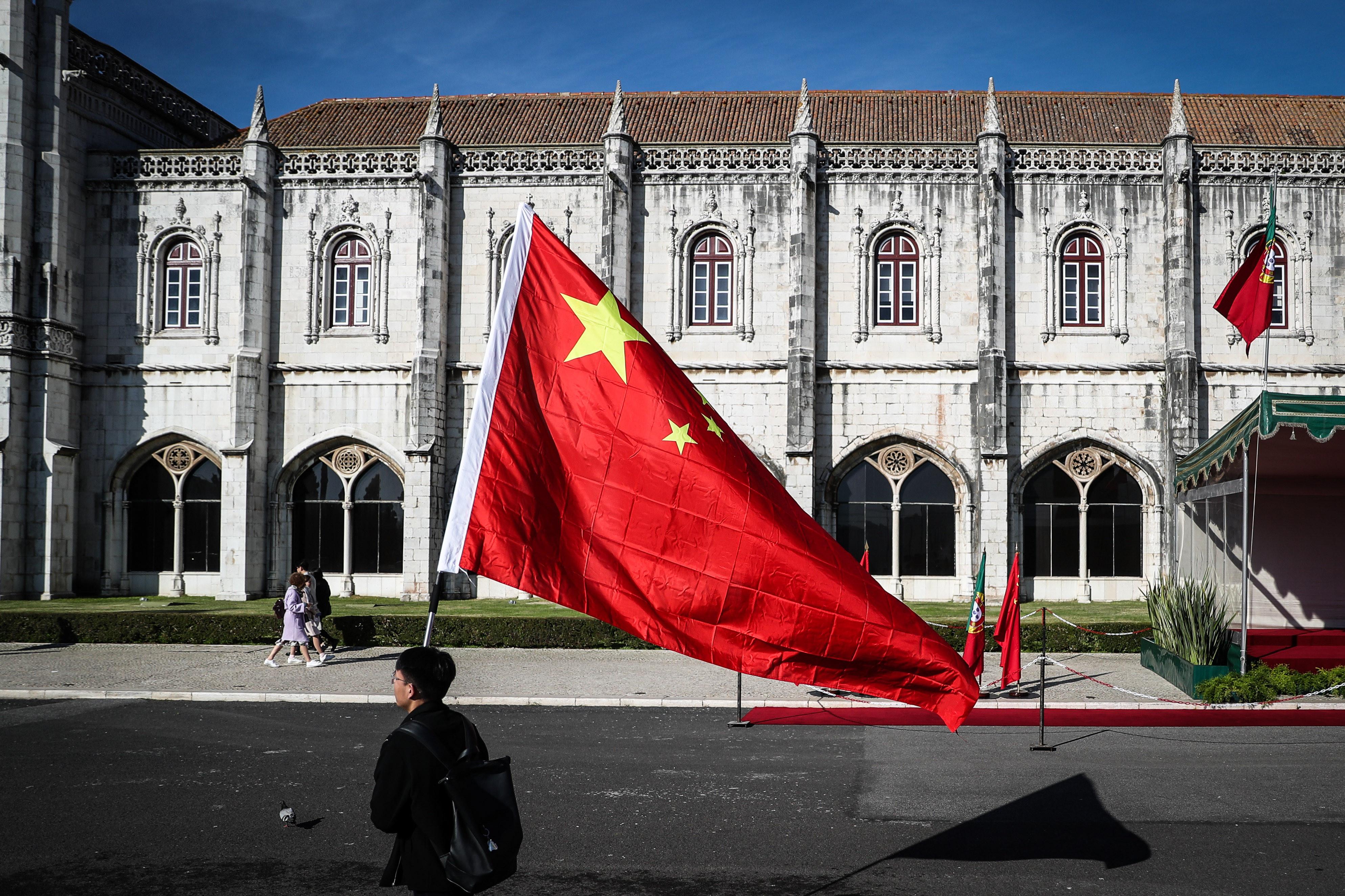 """China considera emissão de dívida portuguesa em renmenbi """"benéfica"""""""