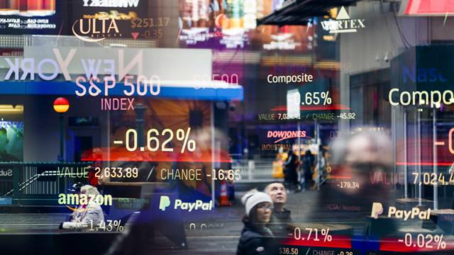 Wall Street fecha em baixa e resultados não deslumbraram investidores