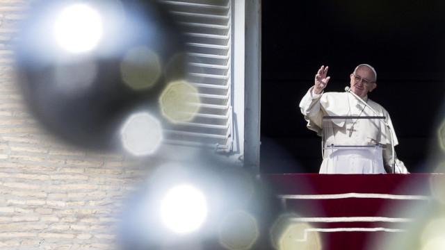 """Papa critica a """"voracidade consumista"""" da humanidade"""
