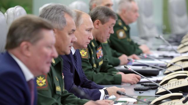 Rússia testa com sucesso novo sistema de mísseis hipersónicos