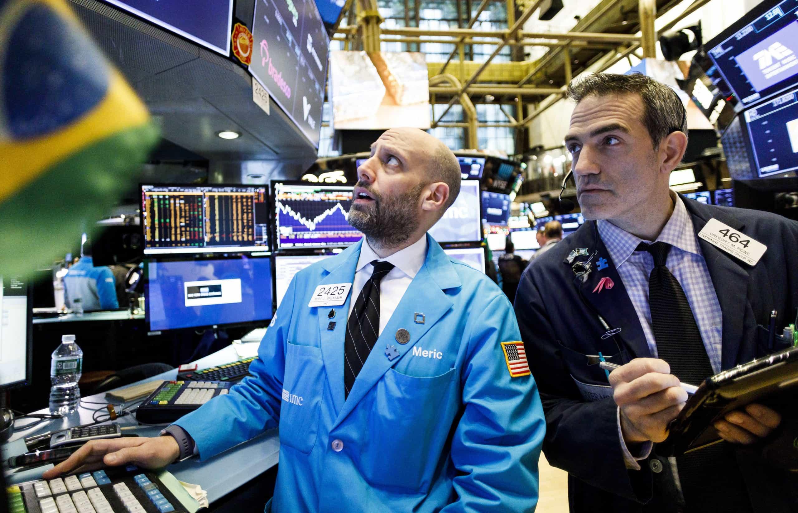 Bolsa de Nova Iorque encerra em ligeira alta