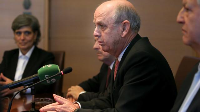 Eventual saída de Tomás Correia pode não implicar eleições antecipadas