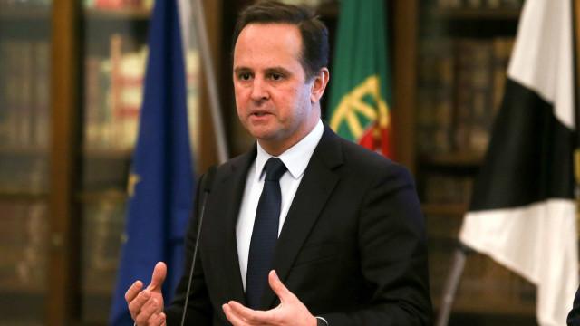 Medina assume pelouros 'deixados' por Duarte Cordeiro na Câmara