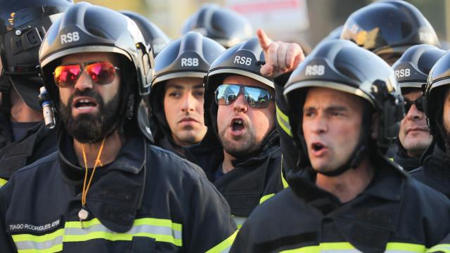 Bombeiros profissionais concentram-se em Lisboa
