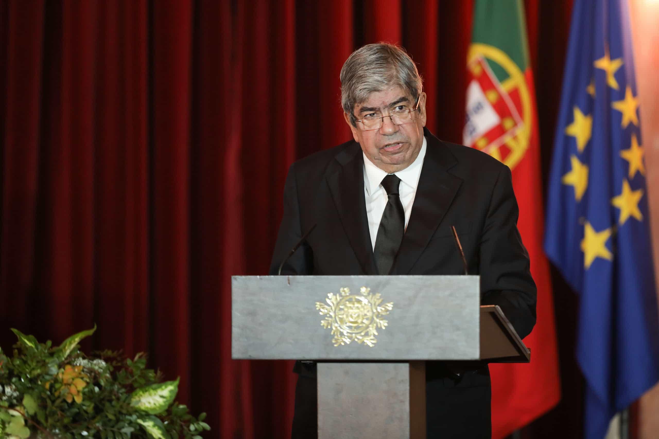 """Ferro Rodrigues condena """"ataques vis e repugnantes"""" no Sri Lanka"""