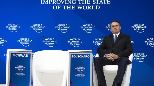 """Bolsonaro diz que se filho """"errou, terá de pagar o preço pelos seus atos"""""""