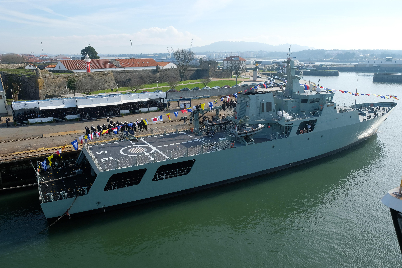 "Estaleiros de Viana ""voltam a ser referência mundial"" na indústria naval"
