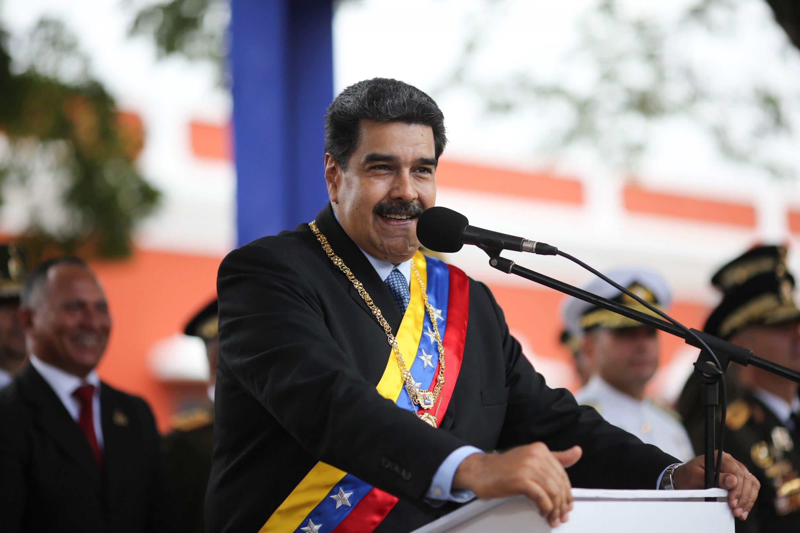 """""""Por aqui há um palhaço"""". Maduro pede eleições a Guaidó"""