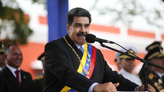 Nicolás Maduro antecipa início do Carnaval para 28 de fevereiro