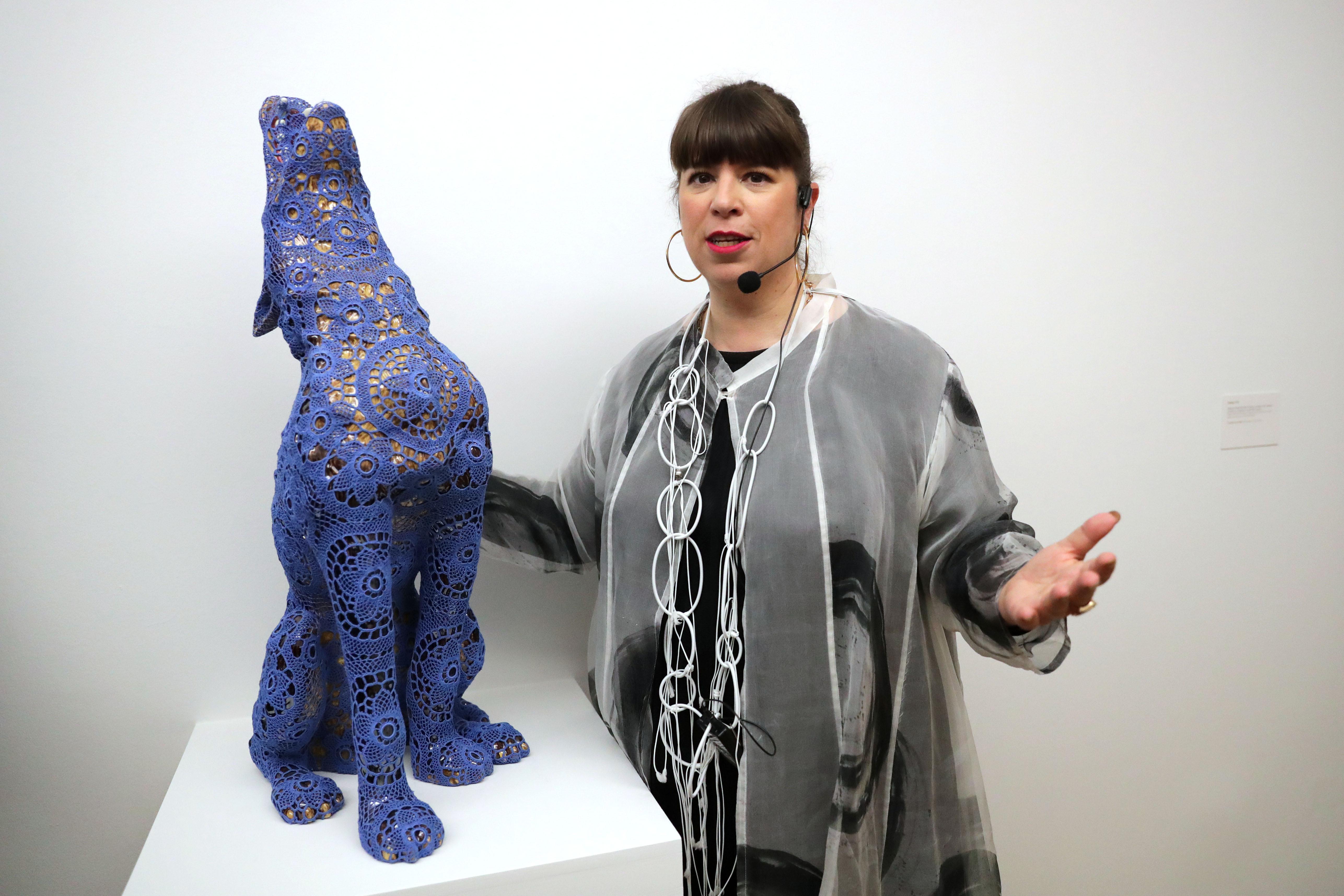 Trabalho de Joana Vasconcelos em exposição no museu Max Ernst