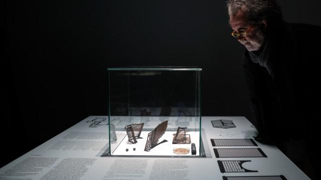 Francisco Tropa explora noção de jogo com achados arqueológicos