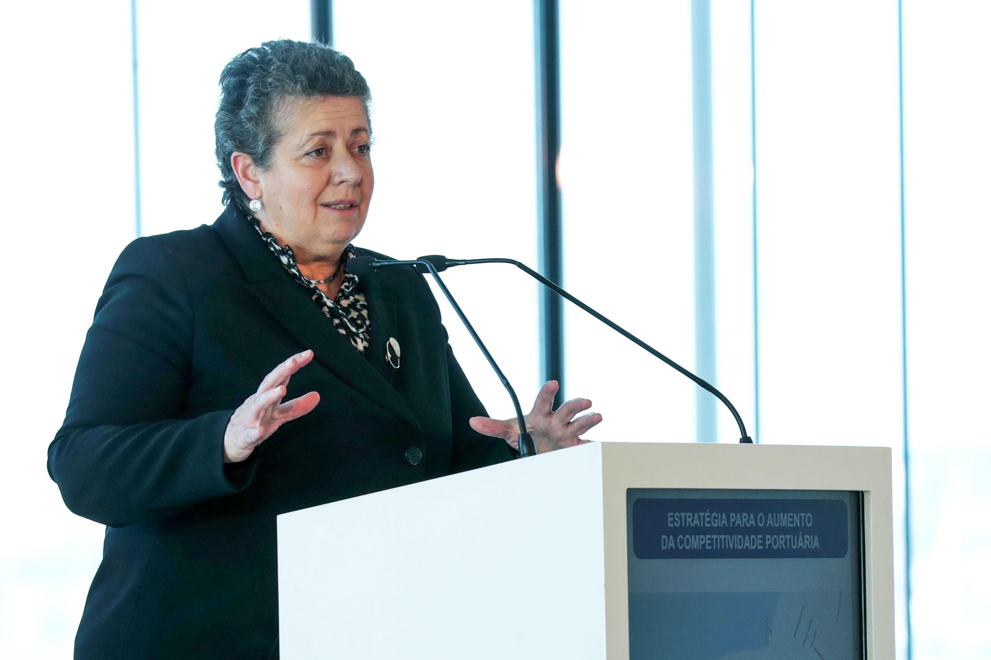 Ministra diz desconhecer qualquer irregularidade nos Estaleiros de Viana