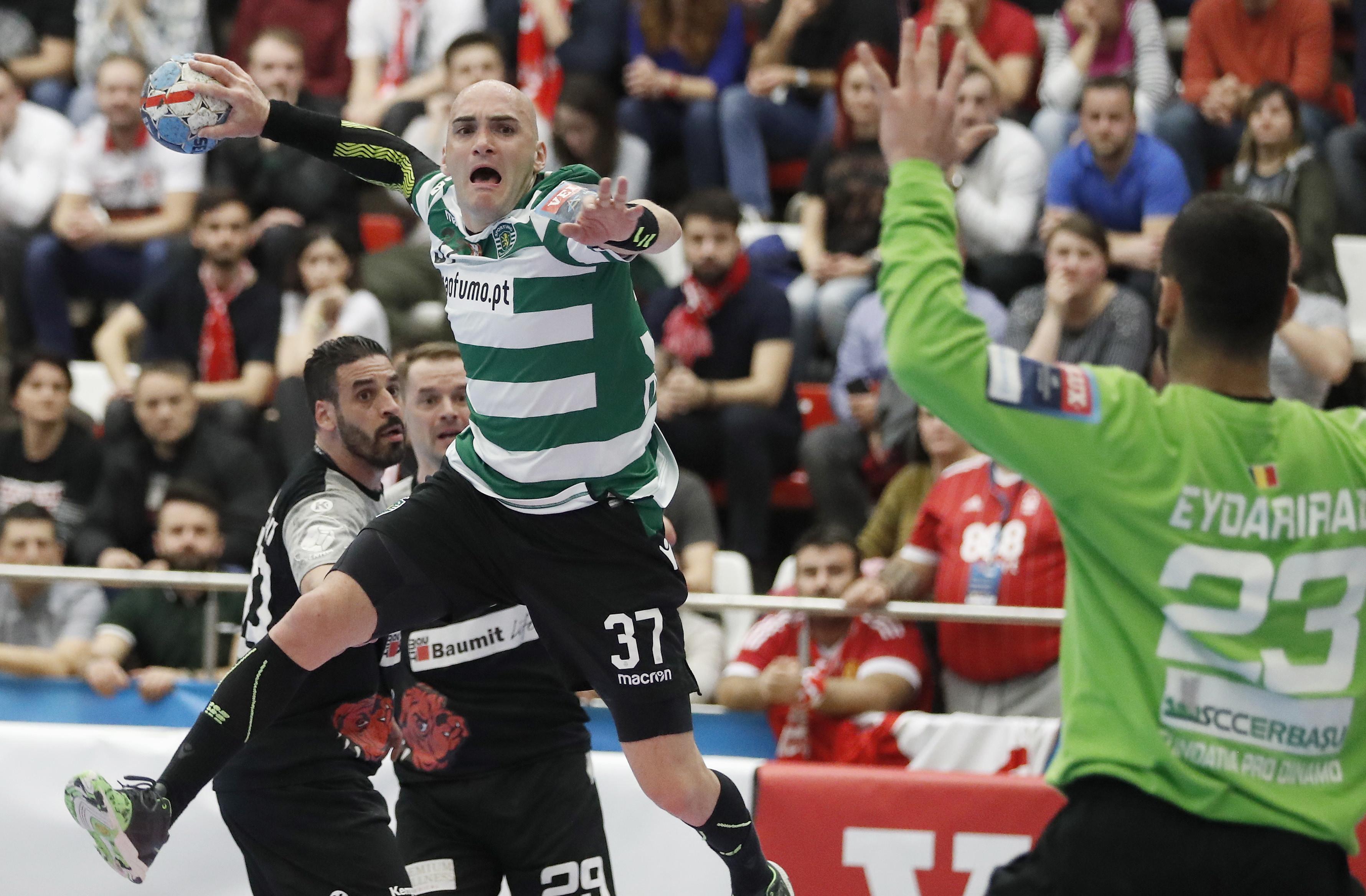 Ivan Nikcevic renova contrato com o Sporting