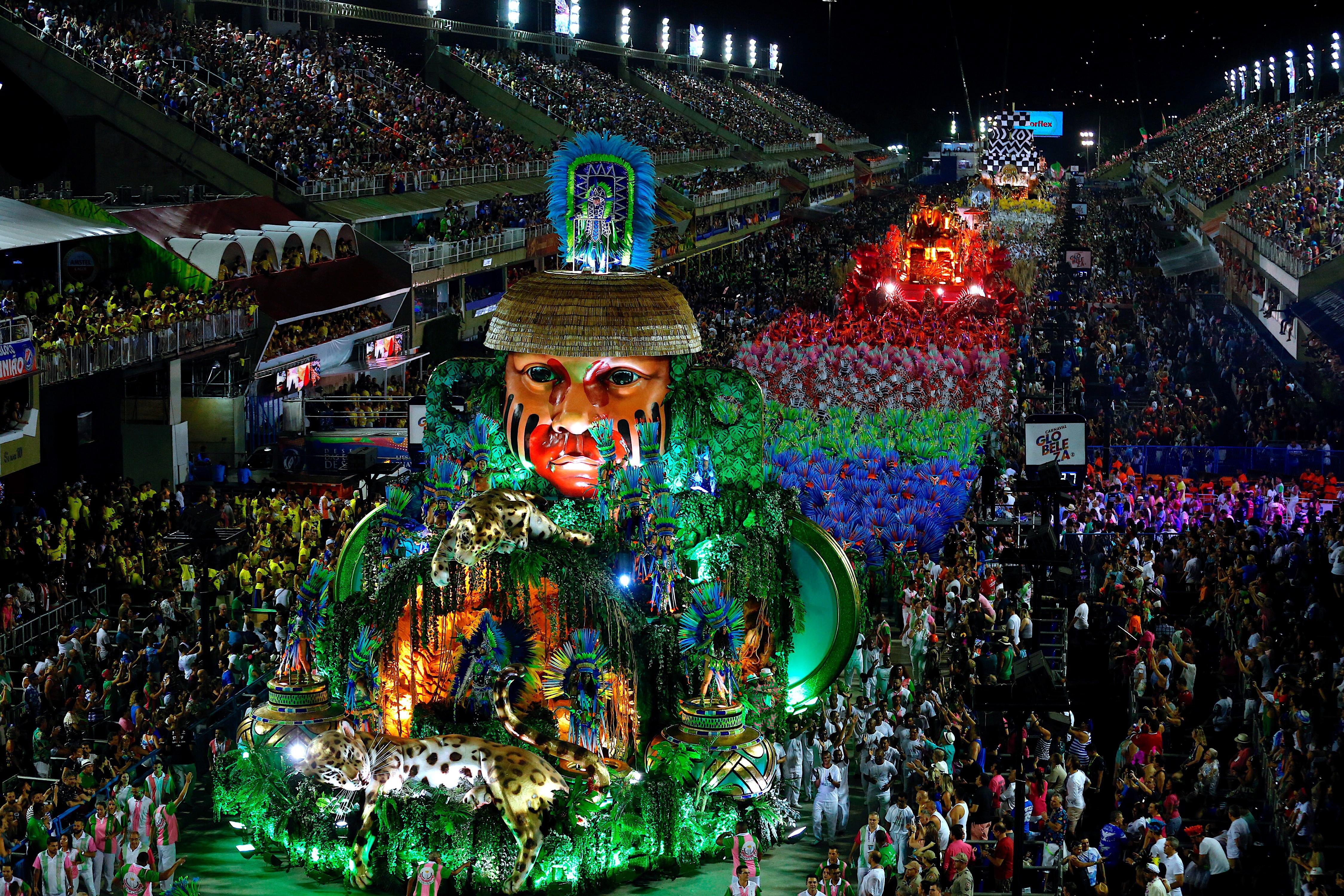 Escola de samba vence carnaval do Rio, com homenagem a Marielle Franco