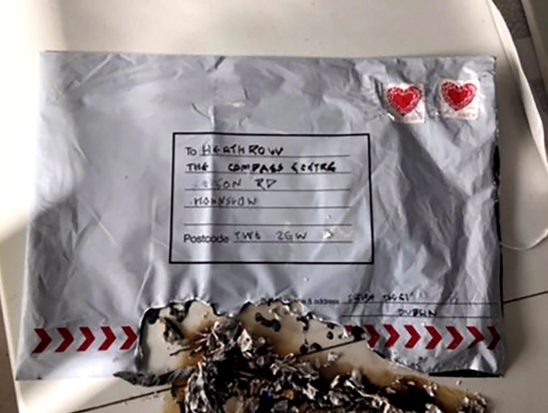 Terão os pacotes armadilhados sido enviados da Irlanda? Polícia investiga