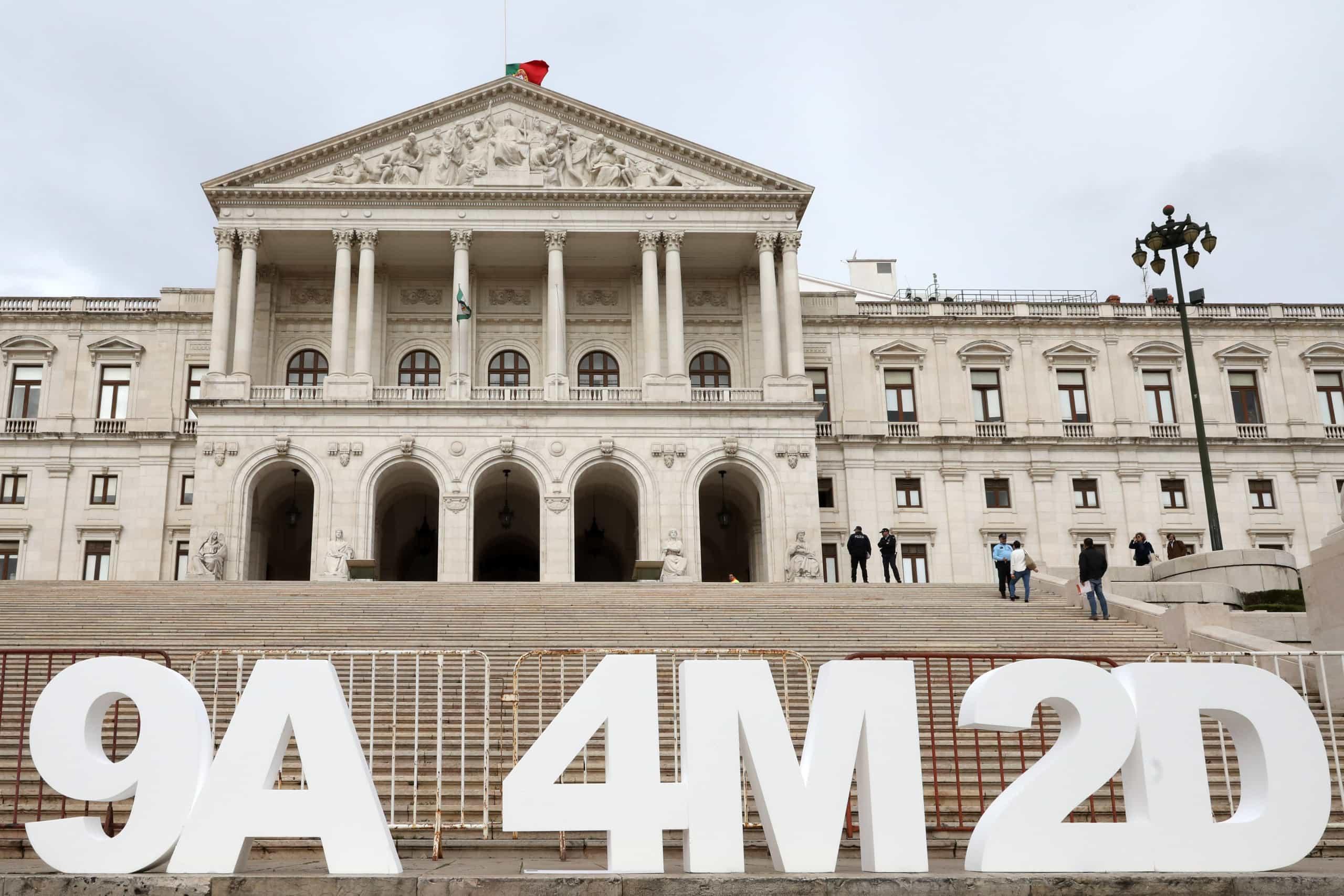 Bloco e PCP vão pedir a apreciação parlamentar do 'decreto 2-9-18'
