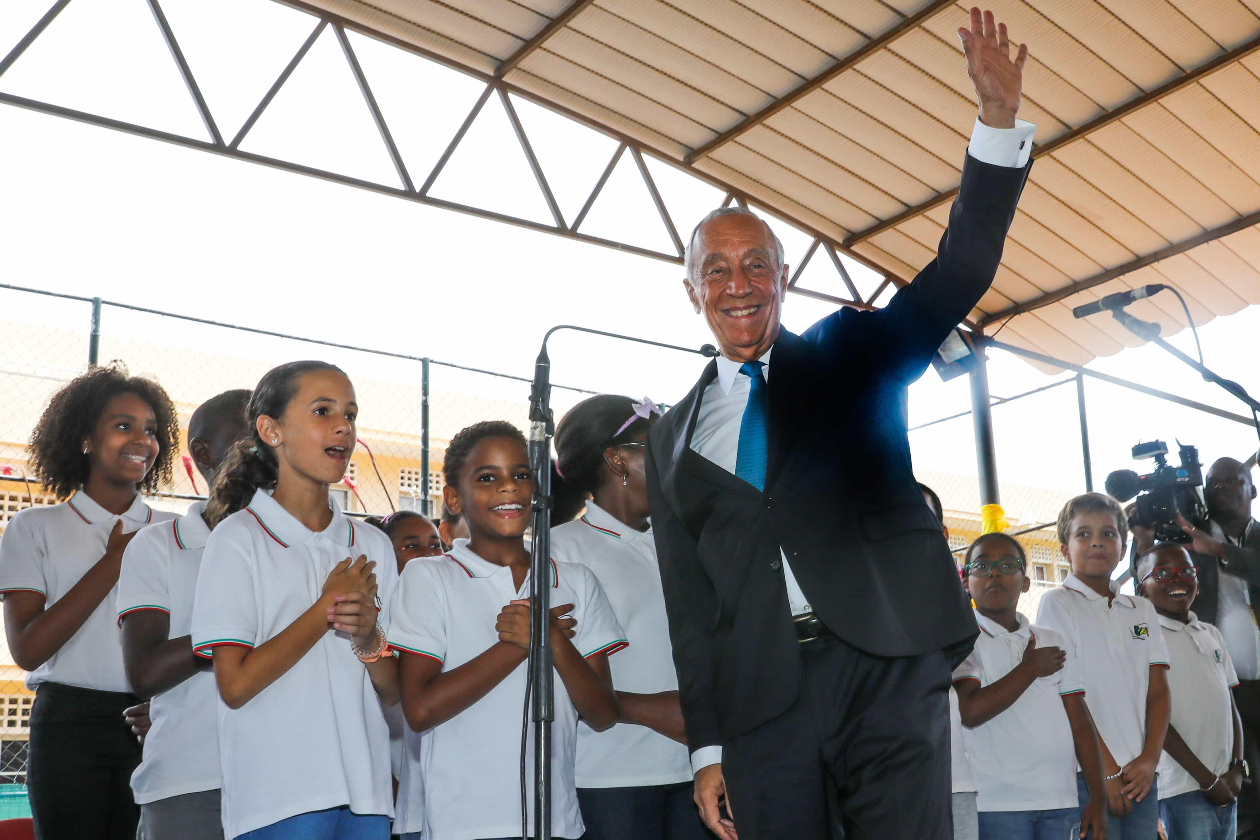 """Período colonial com """"altos e baixos"""" abriu caminho à unidade em Angola"""