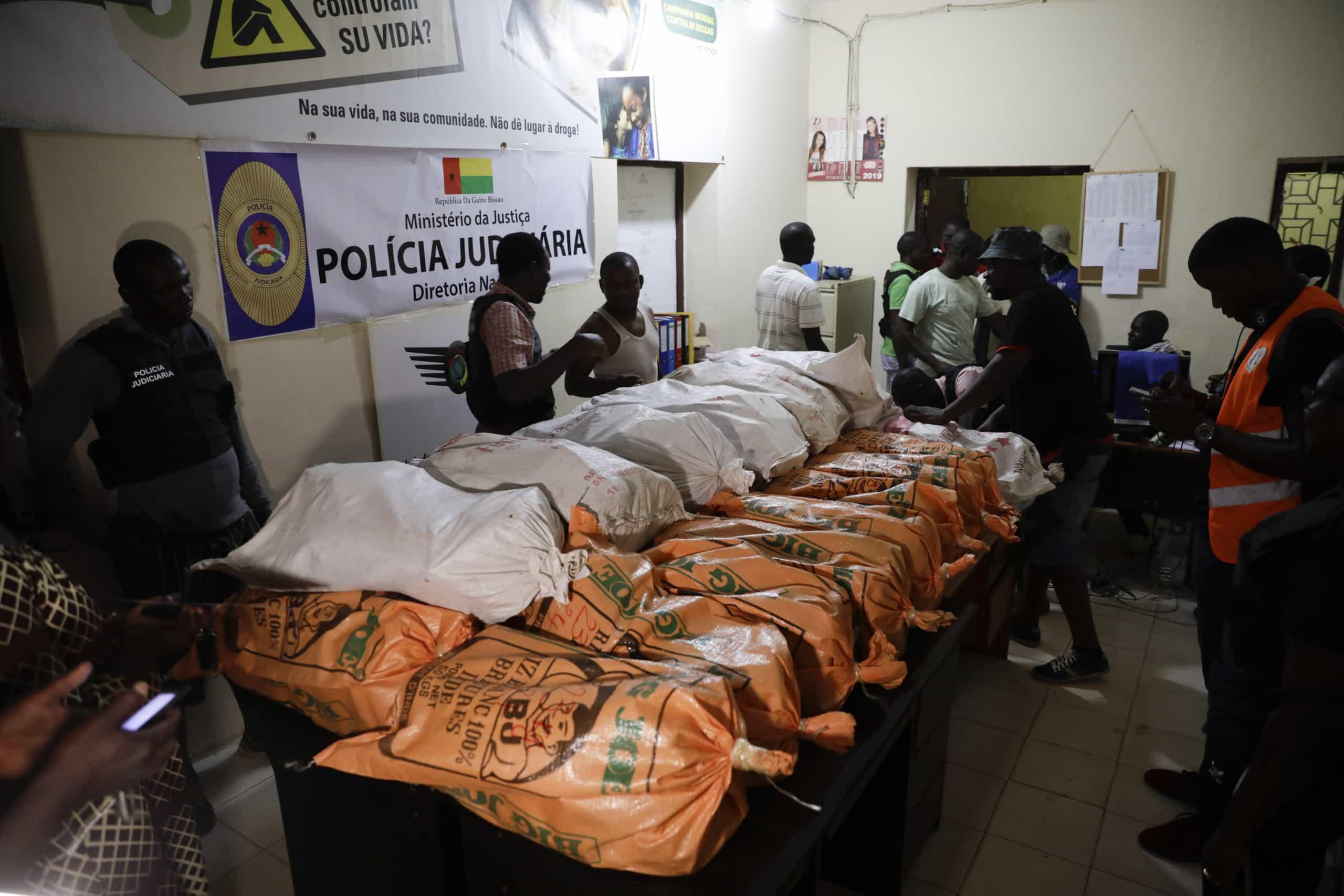 Autoridades da Guiné Bissau fazem a maior apreensão de droga de sempre