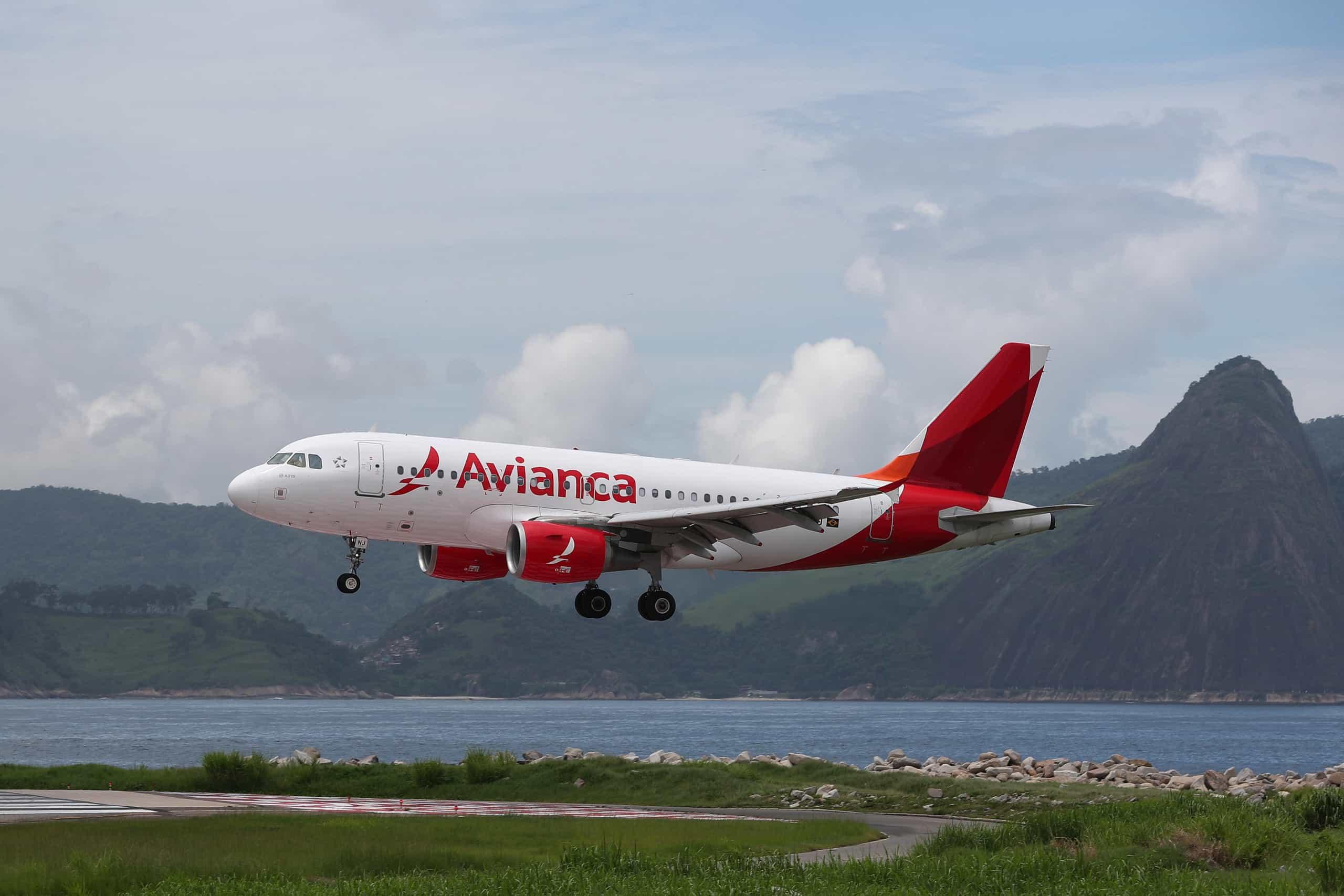 Companhia aérea brasileira Avianca cancela mais de 300 voos até sábado