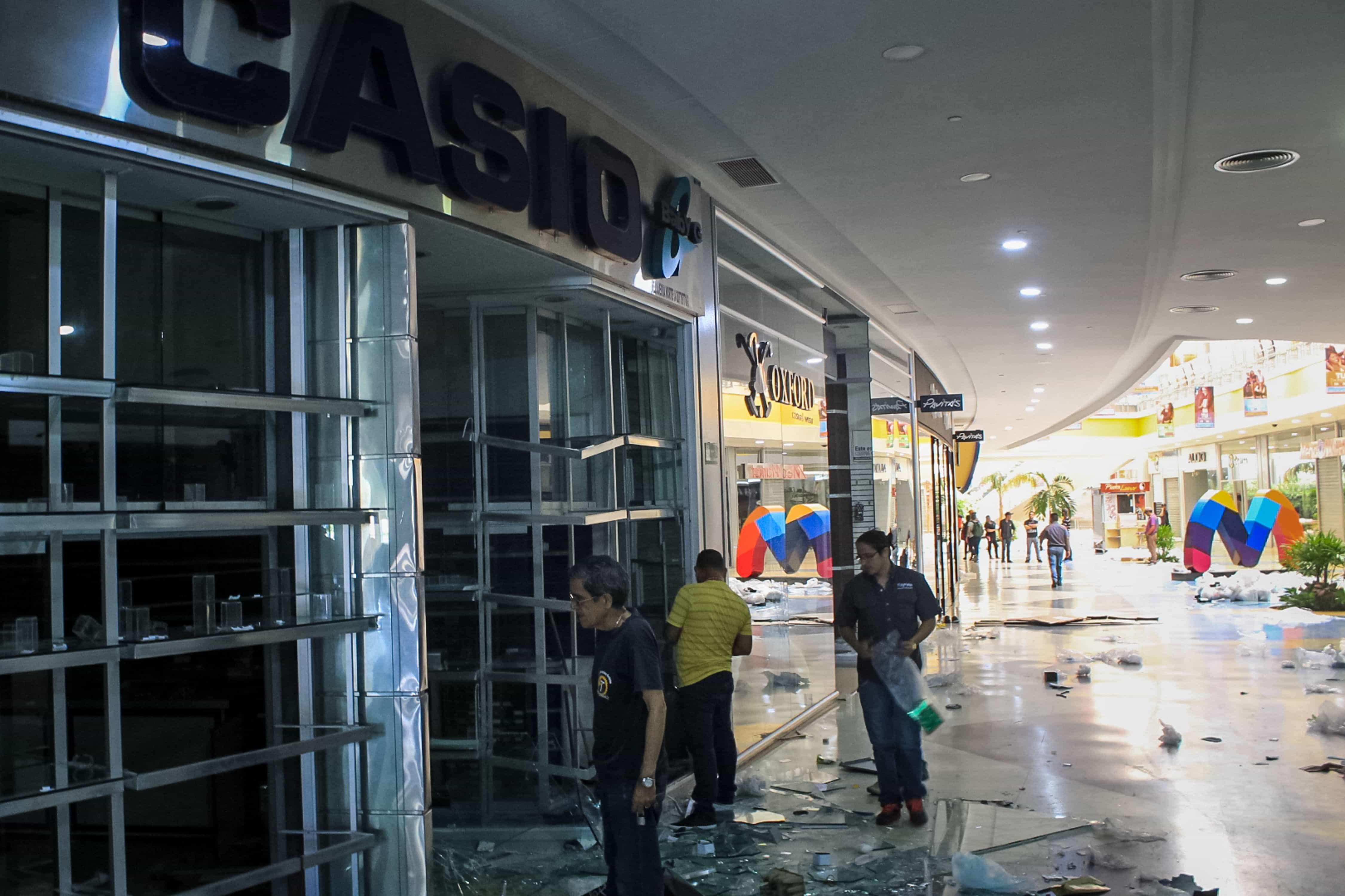 Mais de 600 detidos por saques a lojas em Zúlia, na Venezuela