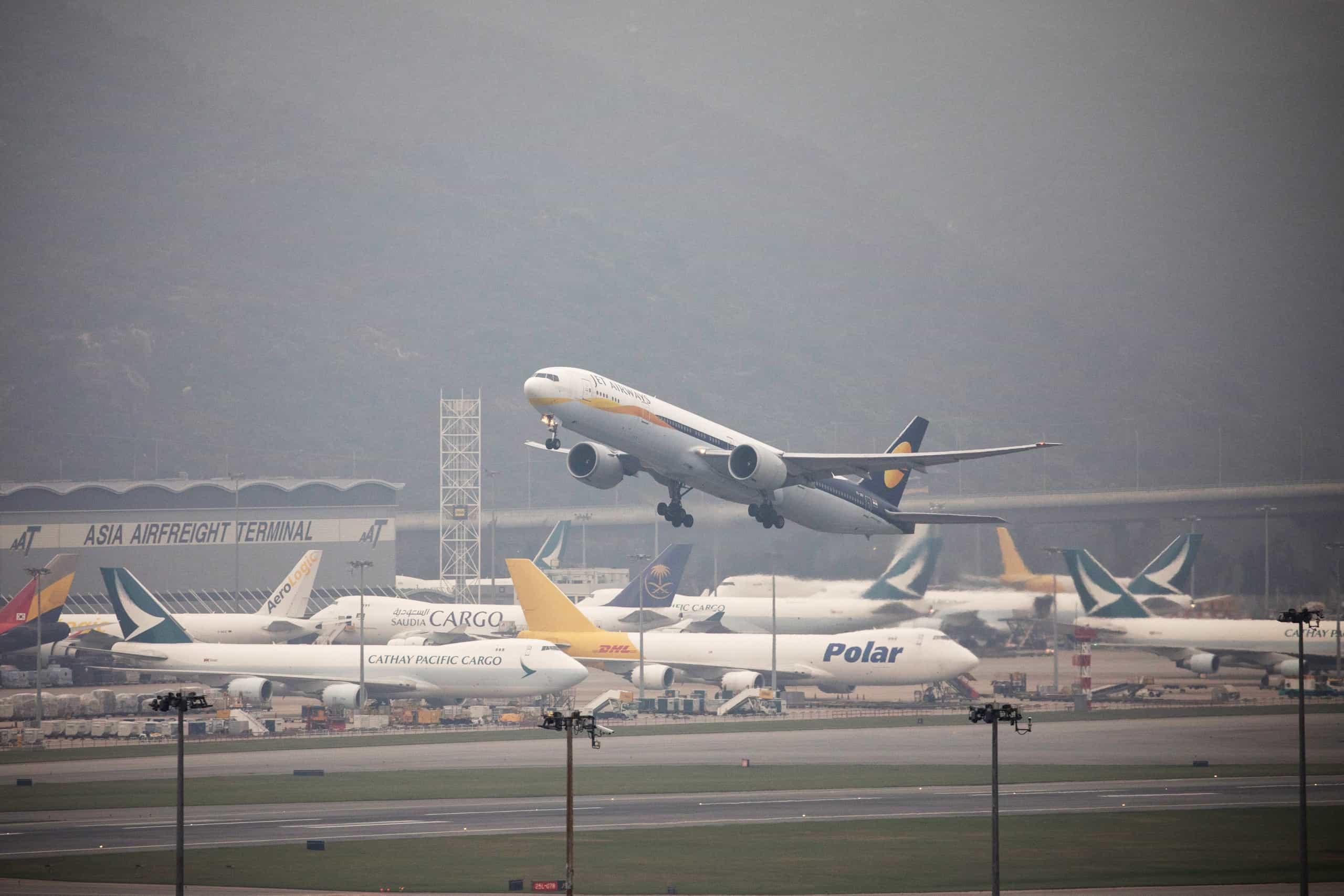 Companhia aérea indonésia cancela encomenda de 49 aviões Boeing 737 MAX