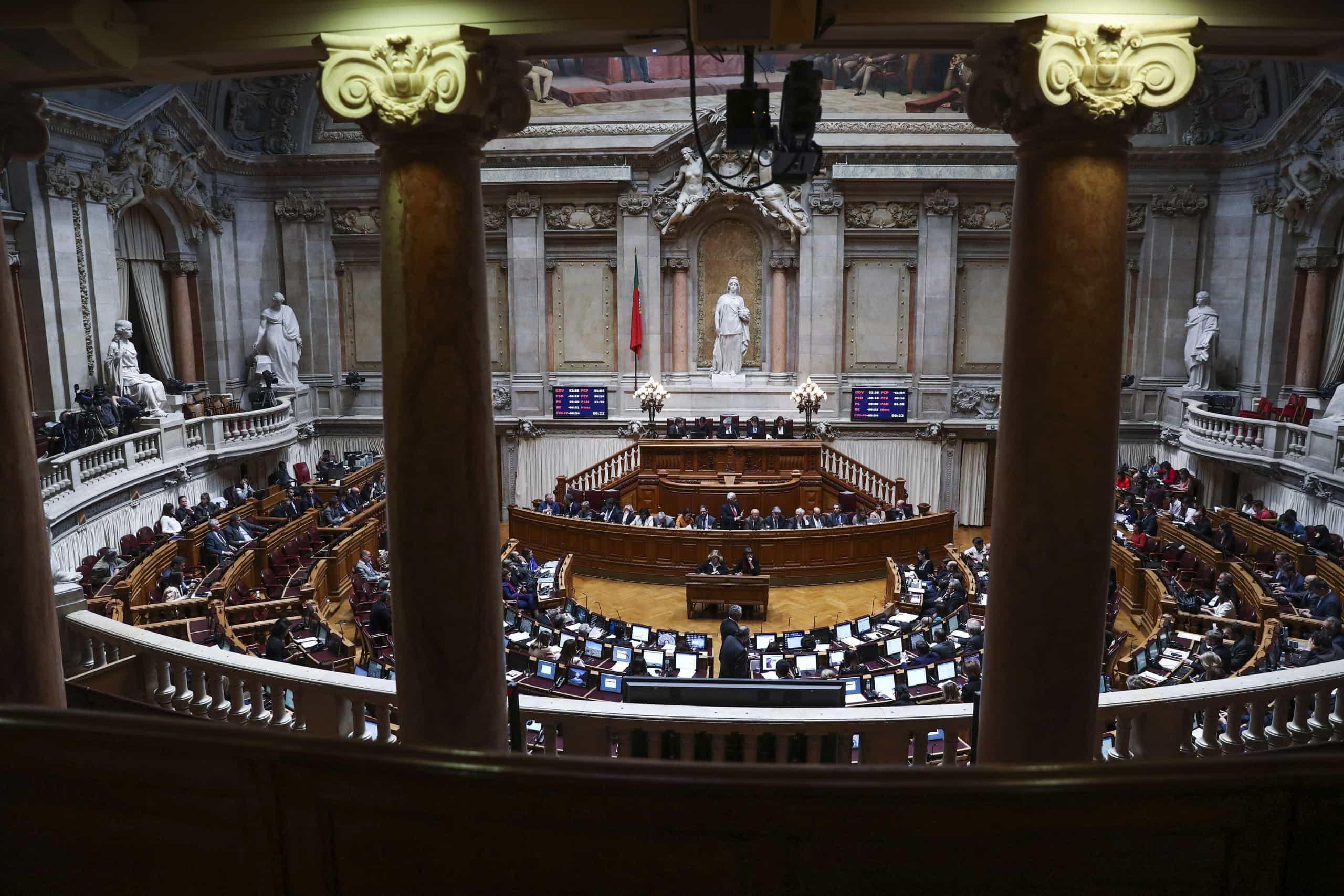 PSD abre debate quinzenal e prepara-se para confrontar Costa