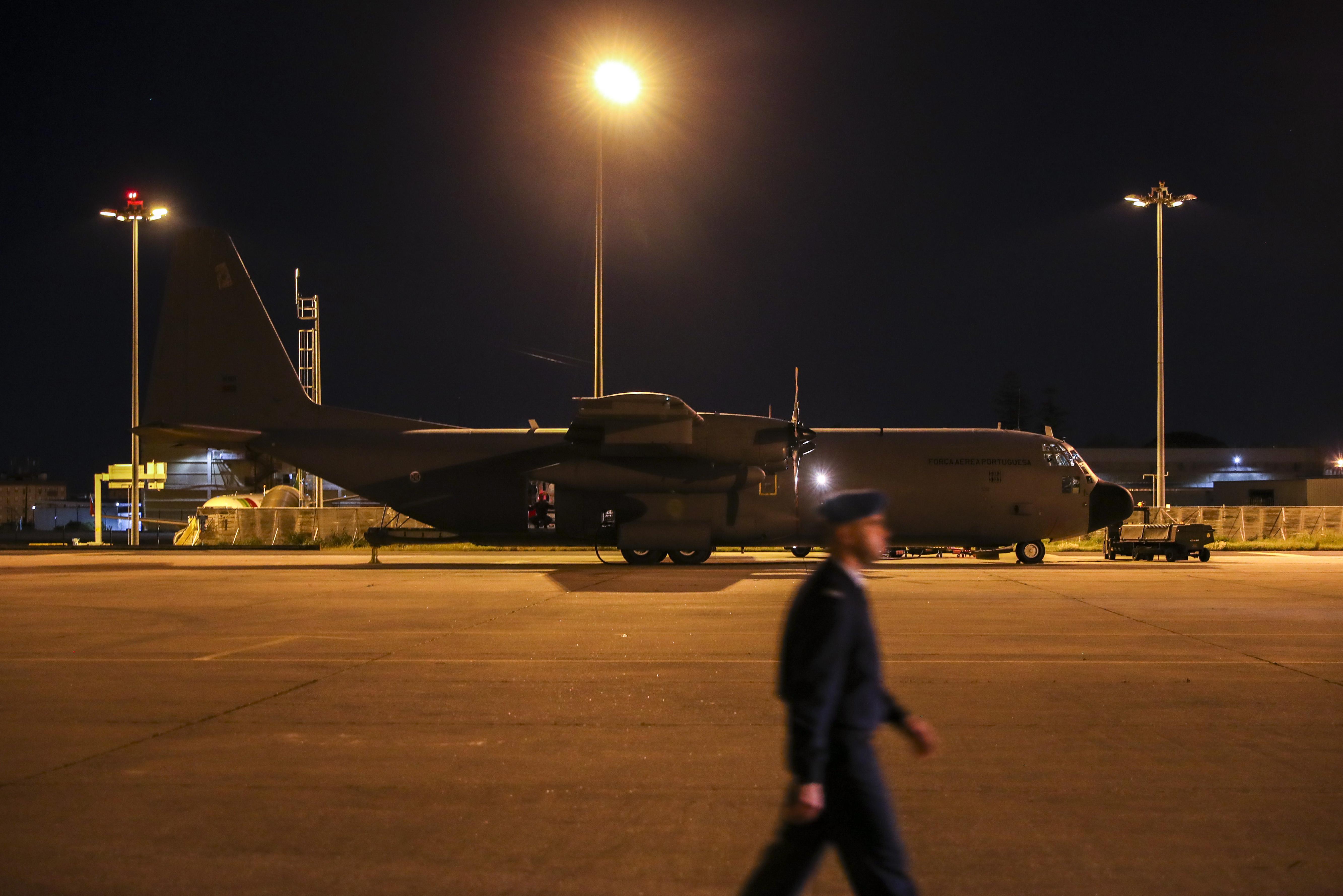 Primeiro C-130 português com apoio esperado hoje na Beira