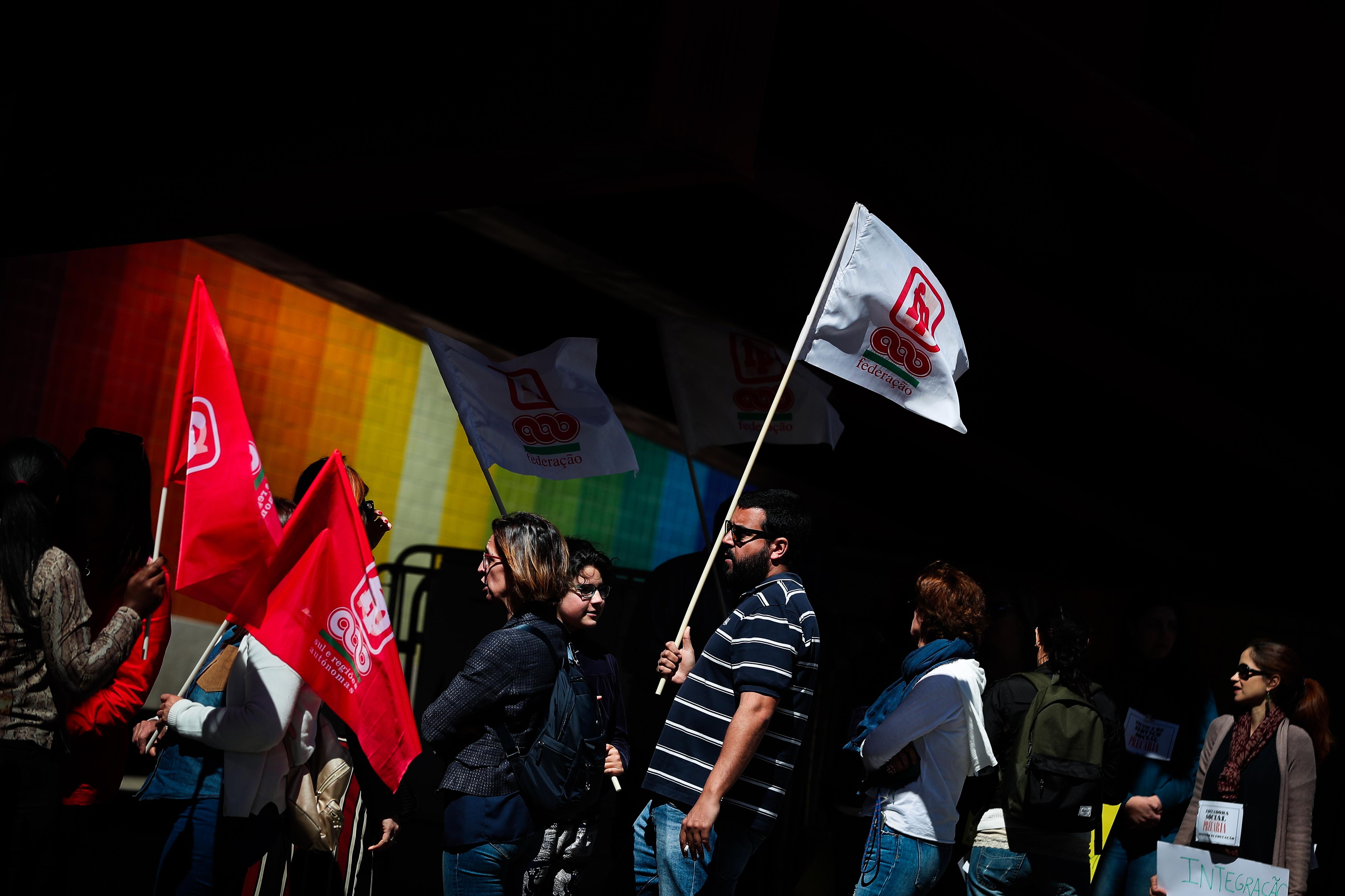 Entre 400 e 500 escolas encerradas devido à greve de funcionários