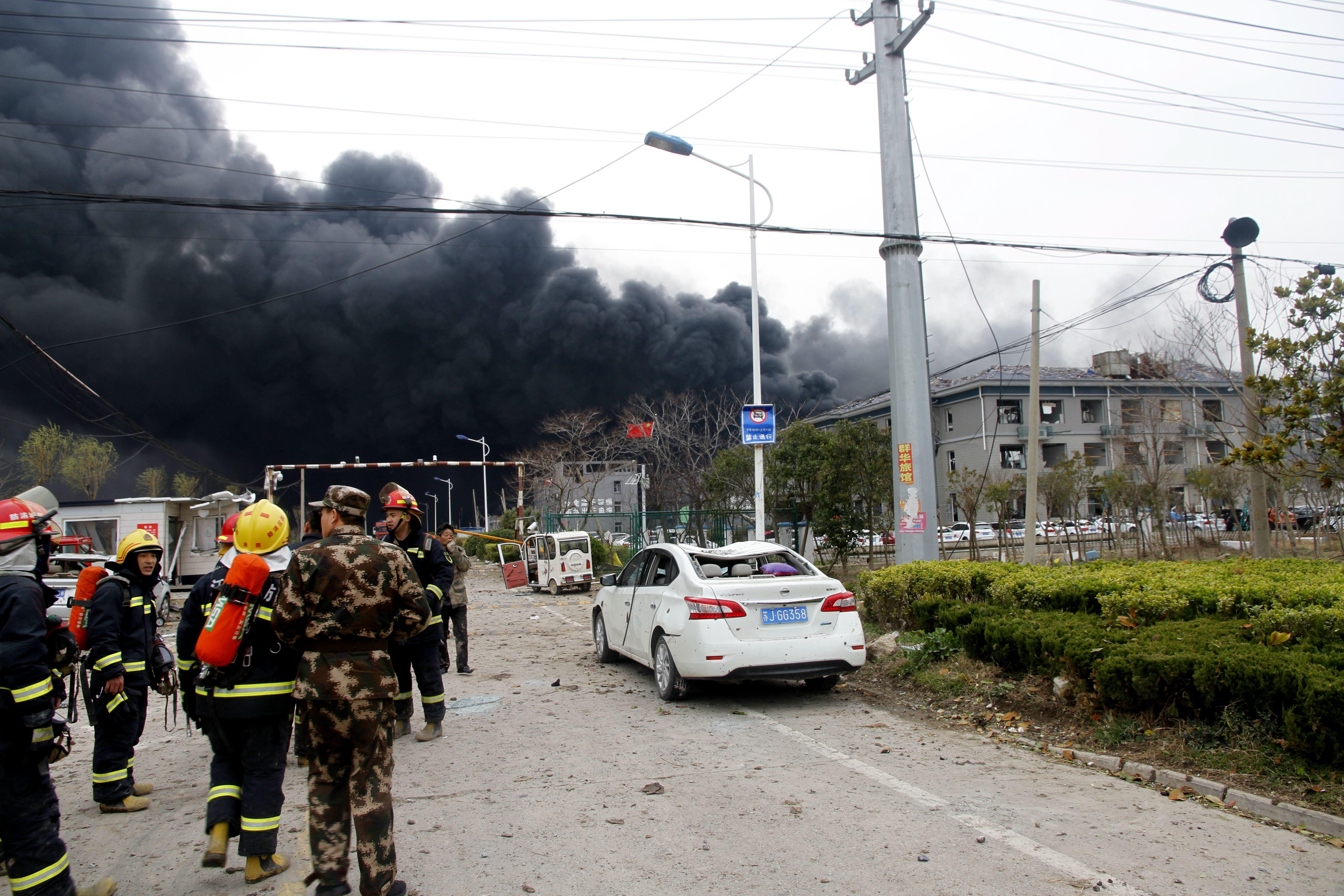 Pelo menos 44 mortos e 90 feridos em explosão em fábrica na China