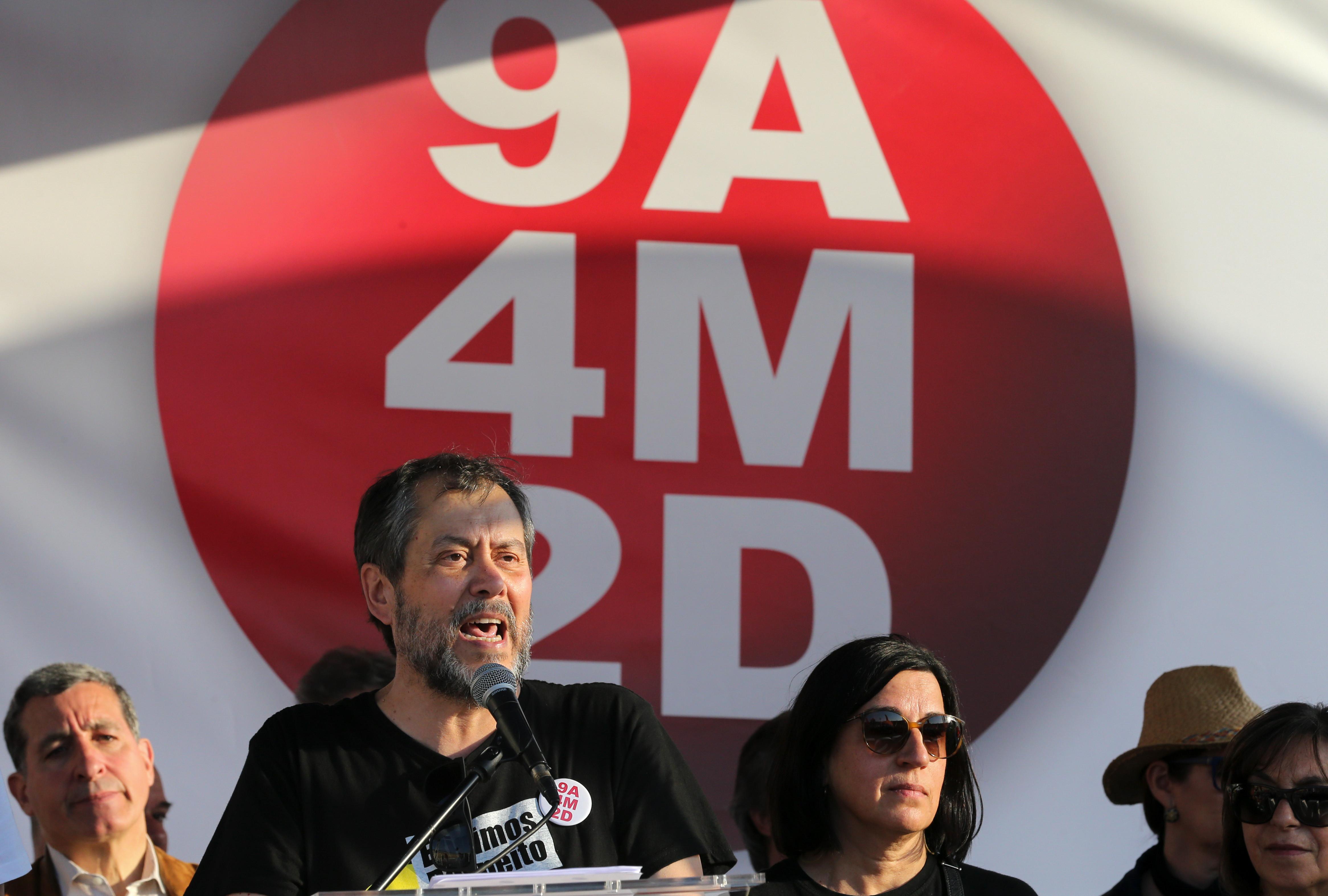 """Professores em greve a avaliações se """"decreto do roubo"""" não for alterado"""