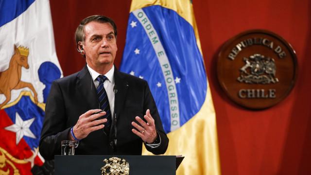 Bolsonaro considera possibilidade de não assinar acordo climático