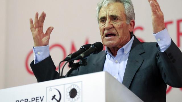"""Jerónimo de Sousa diz que PS, PSD e CDS estão """"unidos"""" aos banqueiros"""