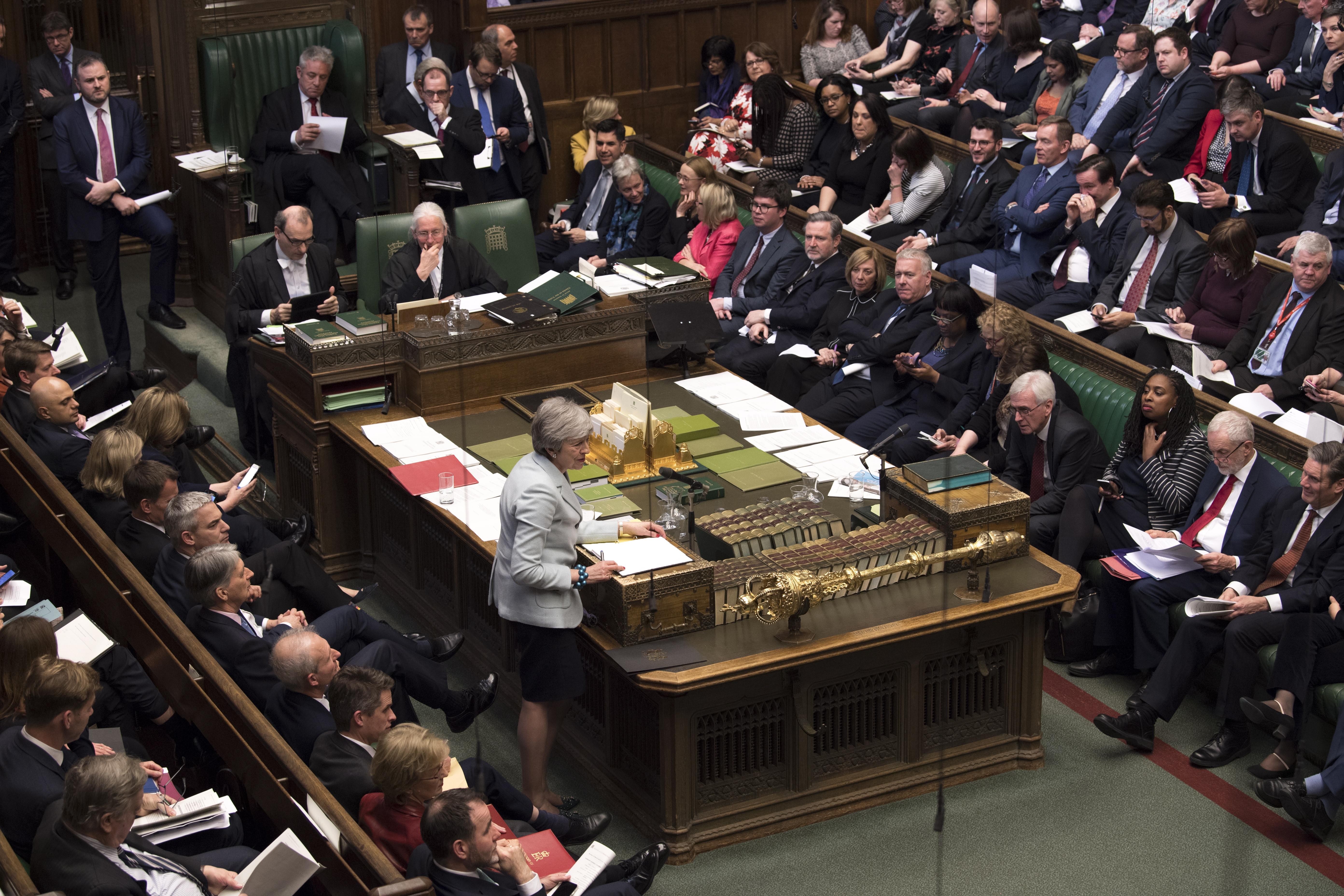Brexit: Deputados impõem debate sobre alternativas ao plano do governo