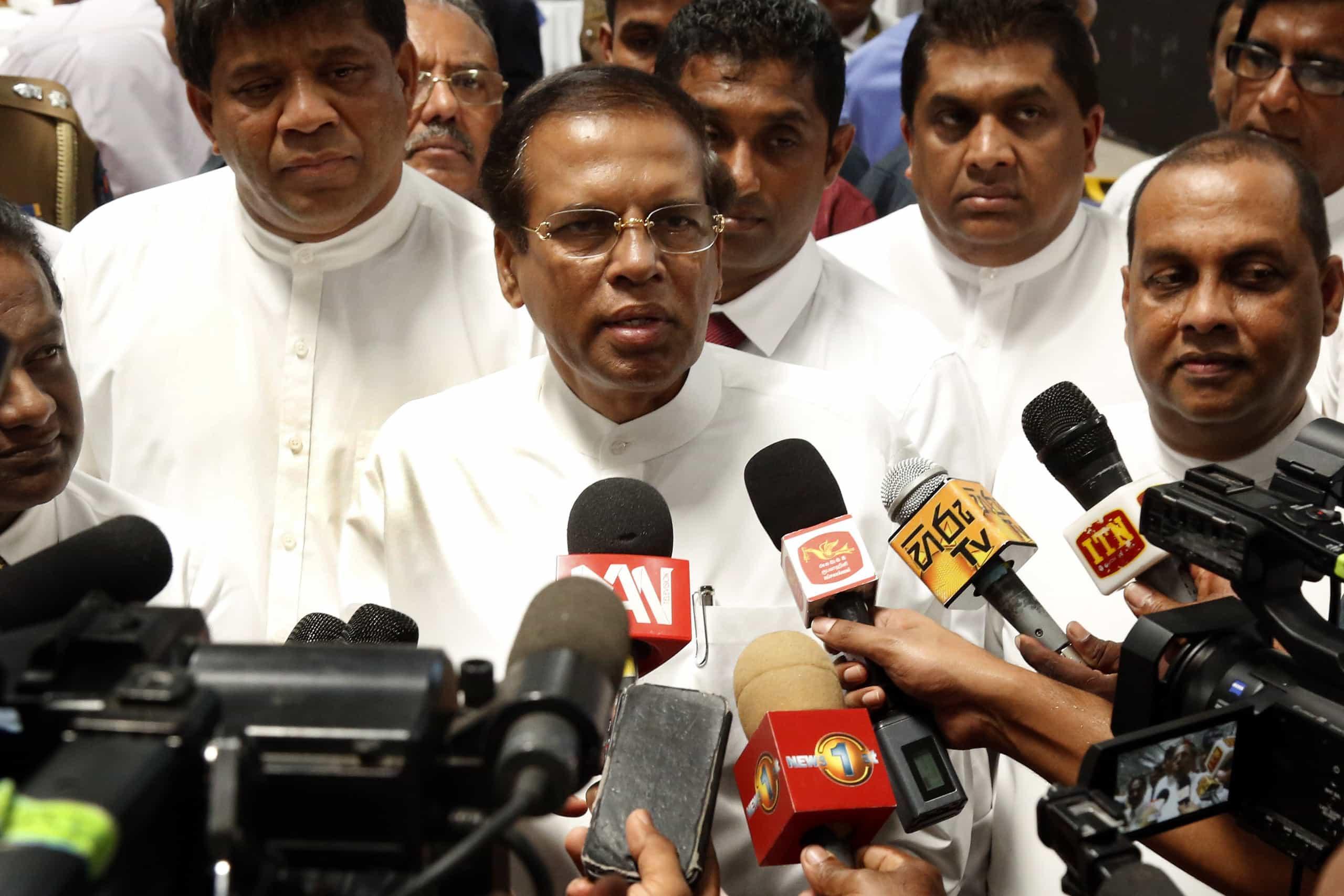 Presidente do Sri Lanka apela à calma após explosões no país