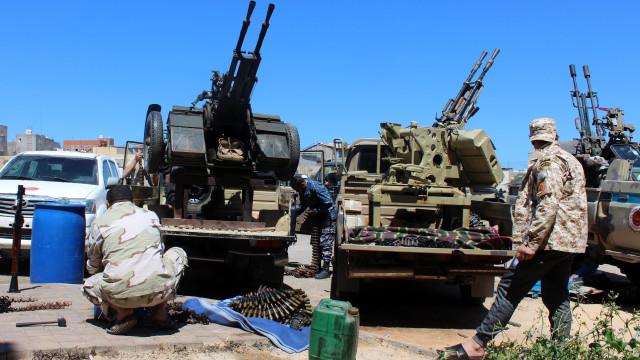 Combates na Líbia provocaram 56 mortos e 266 feridos em seis dias