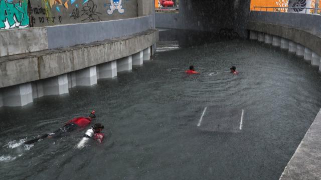 Sobe para 10 o número de mortos devido às chuvas no Rio de Janeiro