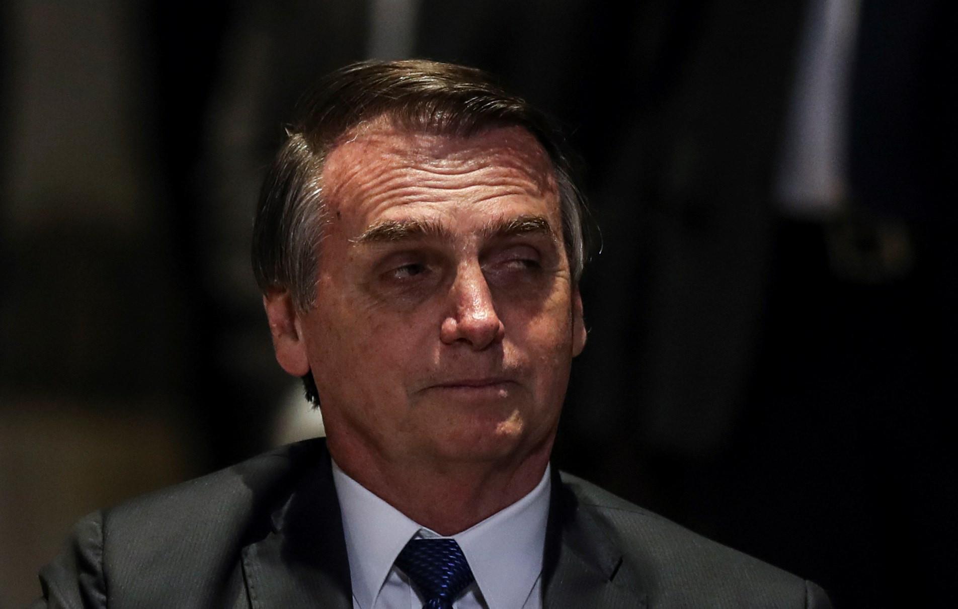 Bolsonaro diz que vai manter passaporte diplomático a líder da IURD