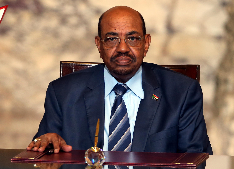 Conselho Militar do Sudão não vai extraditar ex-Presidente