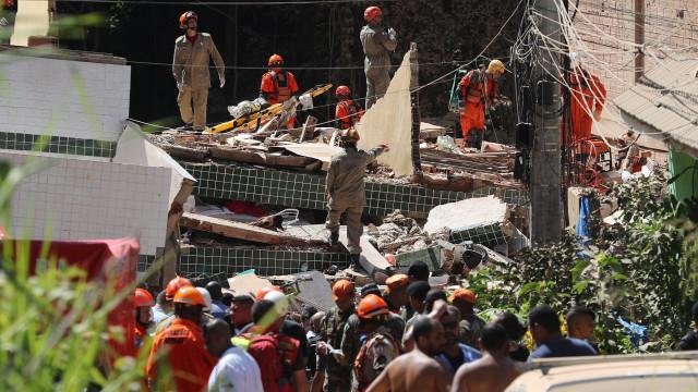 Sobe para nove número de mortos em desabamento de prédios no Brasil