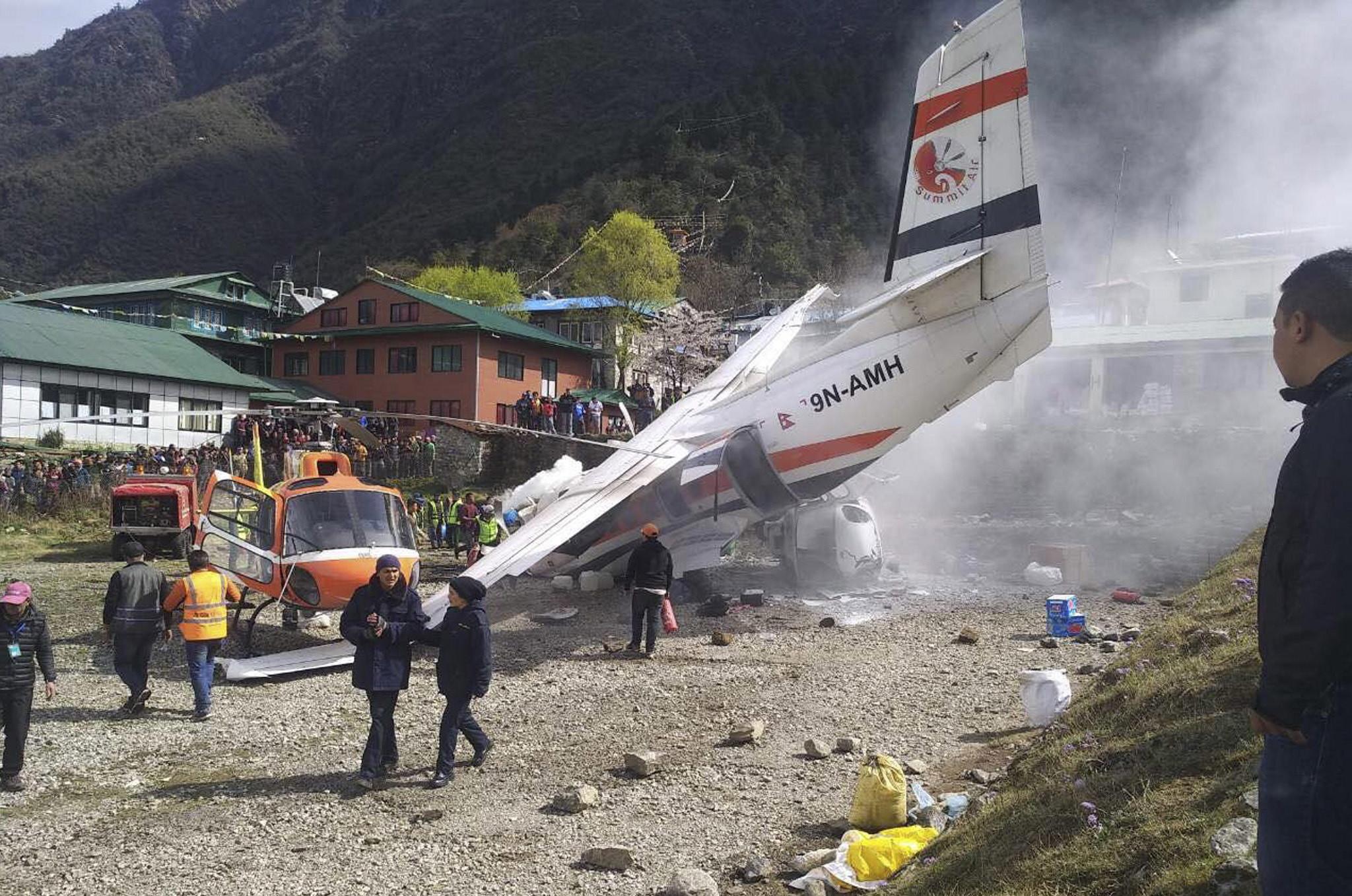 Pelo menos dois mortos no Nepal em acidente de avioneta
