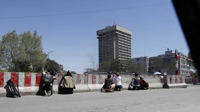 Estado Islâmico reivindica ataque a prédios do Governo em Cabul