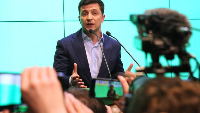 Zelensky quer relançar processo de paz com a Rússia