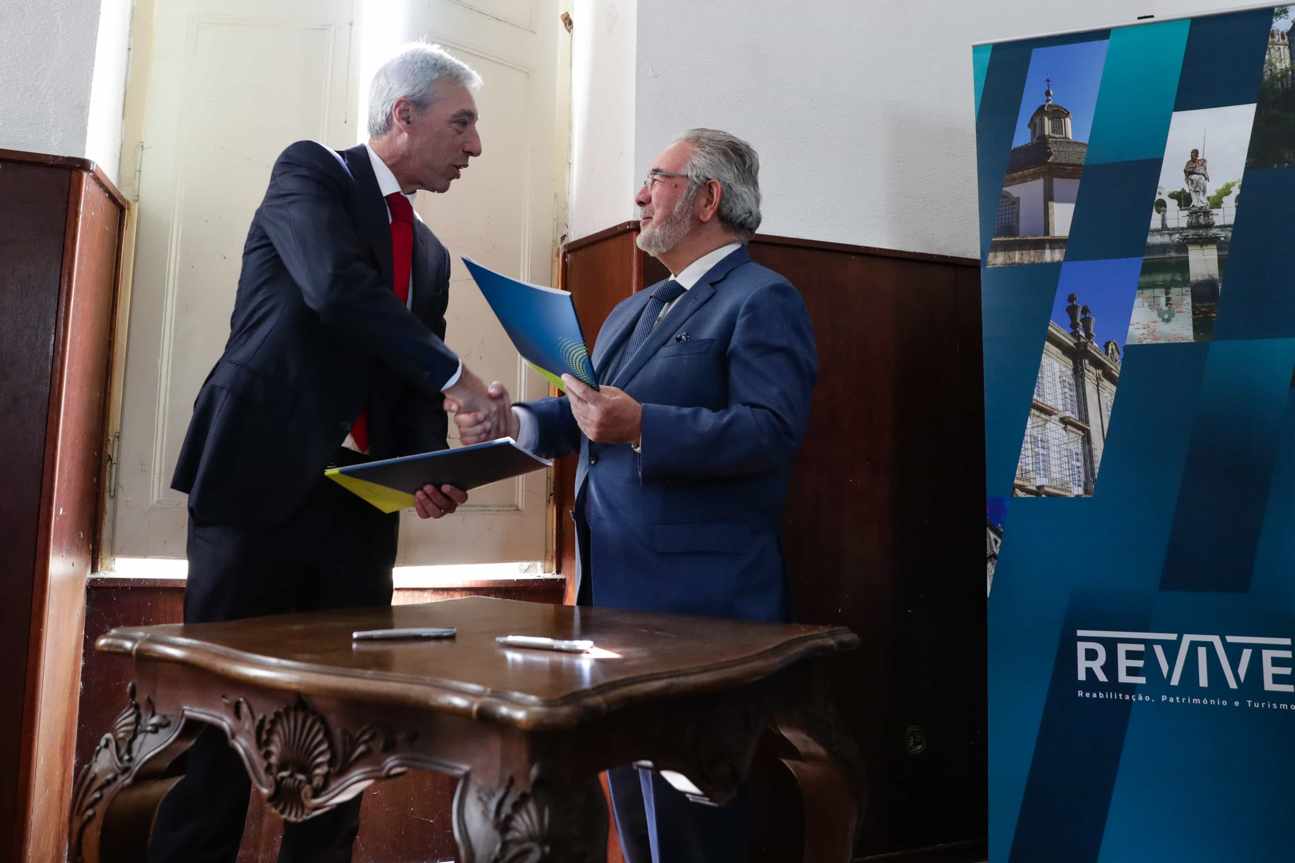 Lançado concurso para concessão do Paço Real de Caxias para turismo