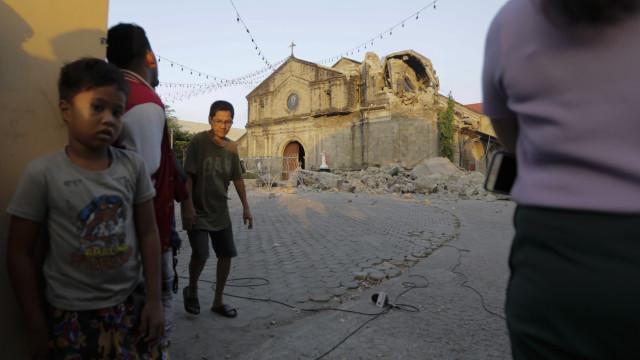 Novo balanço aponta para pelo menos 11 mortos em sismo nas Filipinas