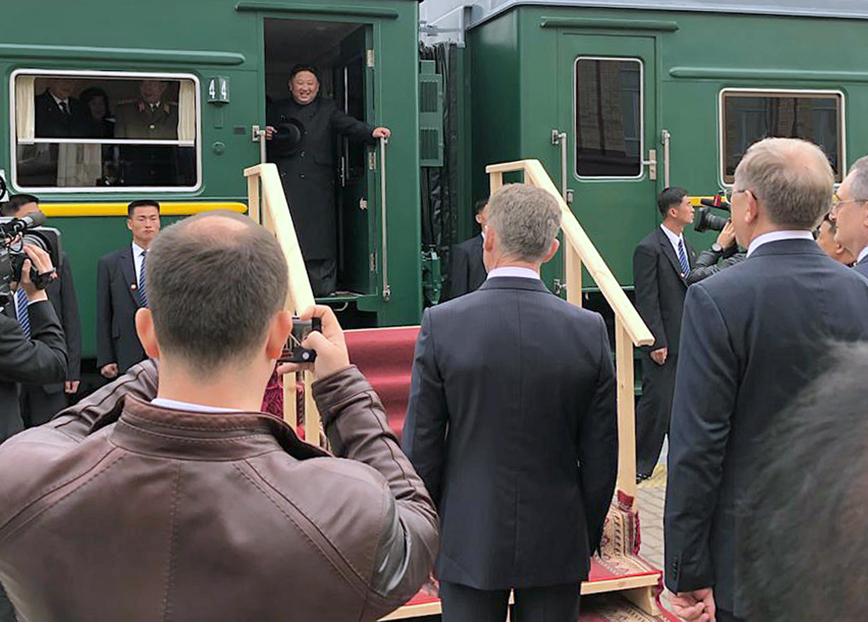 Kim Jong-un chega à cidade russa de Vladivostok para cimeira com Putin