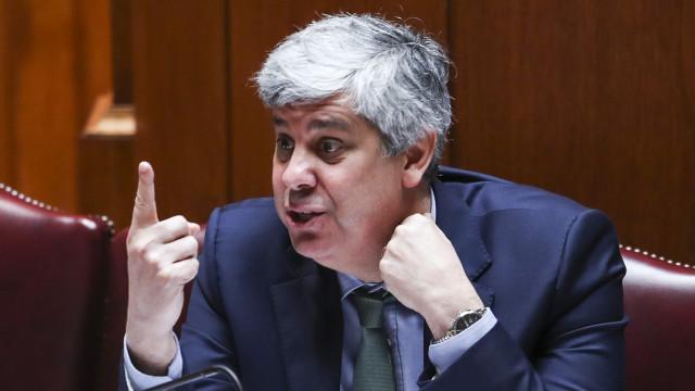 """""""País não tem futuro se a dívida não baixar"""", diz ministro das Finanças"""