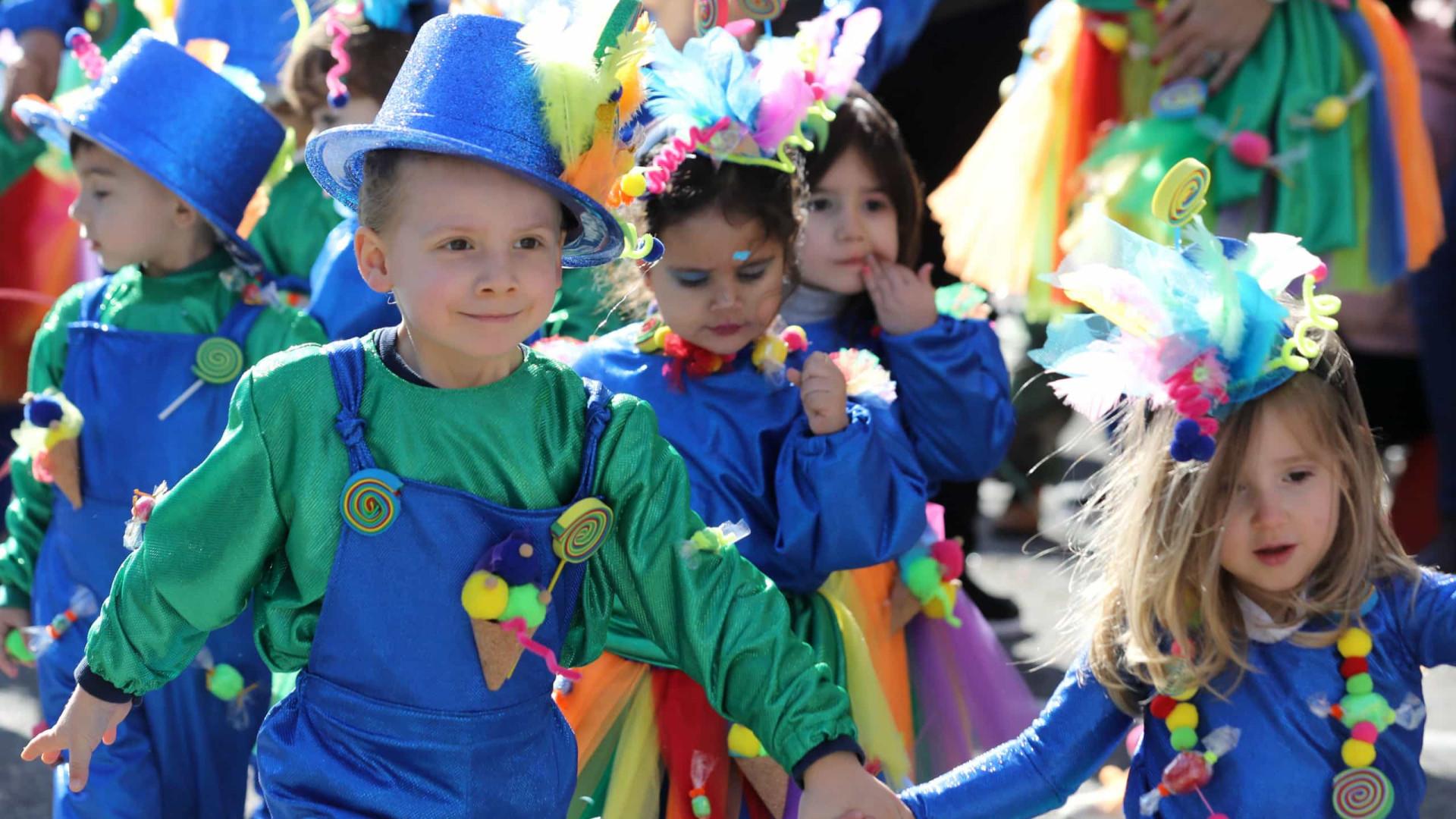 """Oito mil crianças desfilam com """"magia e fantasia"""" em Torres Vedras"""