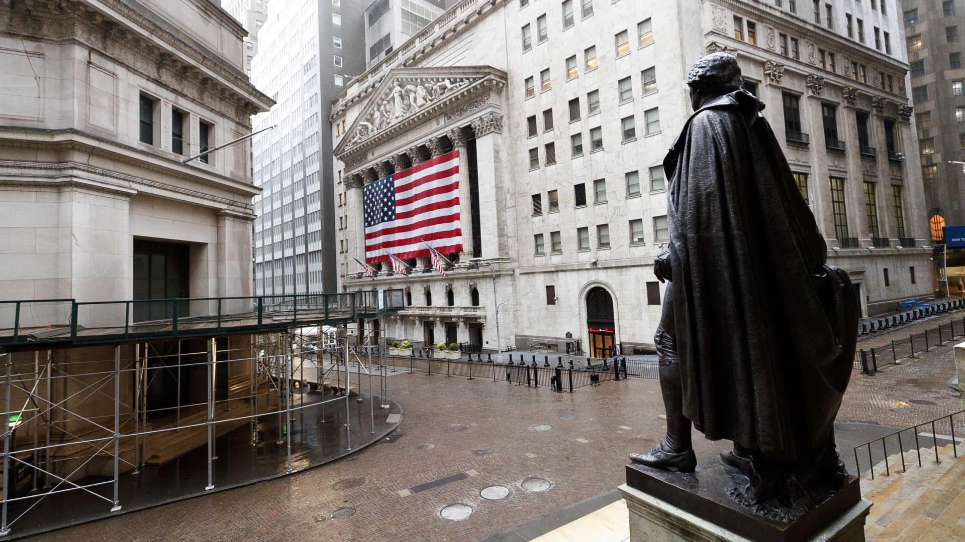 Wall Street segue em alta após descida inesperada da taxa de desemprego